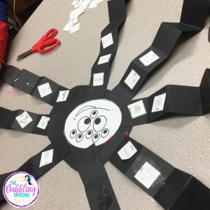 spider activities in speech using a fun craft that can be adapted across goals. Use this spider craft to target a lot of goals.